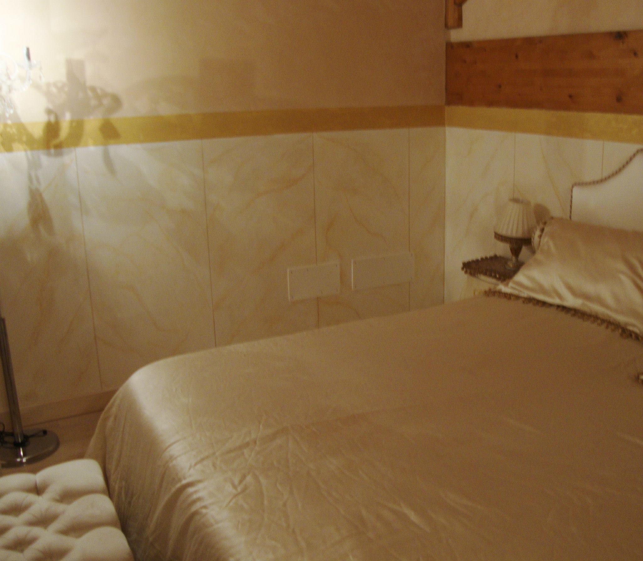 Pitture particolari per interni decorazioni voffca letto - Decorazione muri interni ...